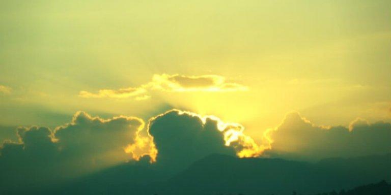 Bild mit Wolken